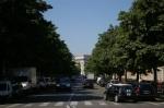 Av. Hoch com o Arco do Triunfo ao fundo