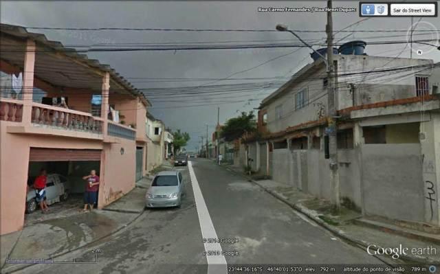 Esquina das Ruas Carmo Fernandes e Henri Duparc no Jd. Cocaia